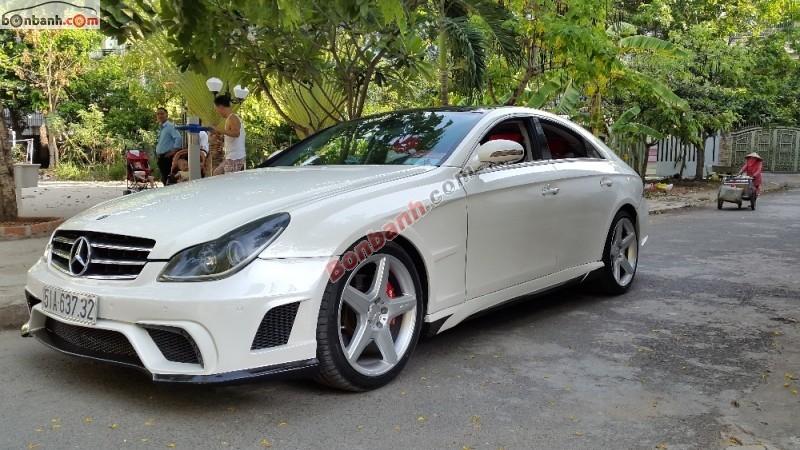Cần bán lại xe Mercedes 350 năm 2005, màu trắng, nhập khẩu nguyên chiếc