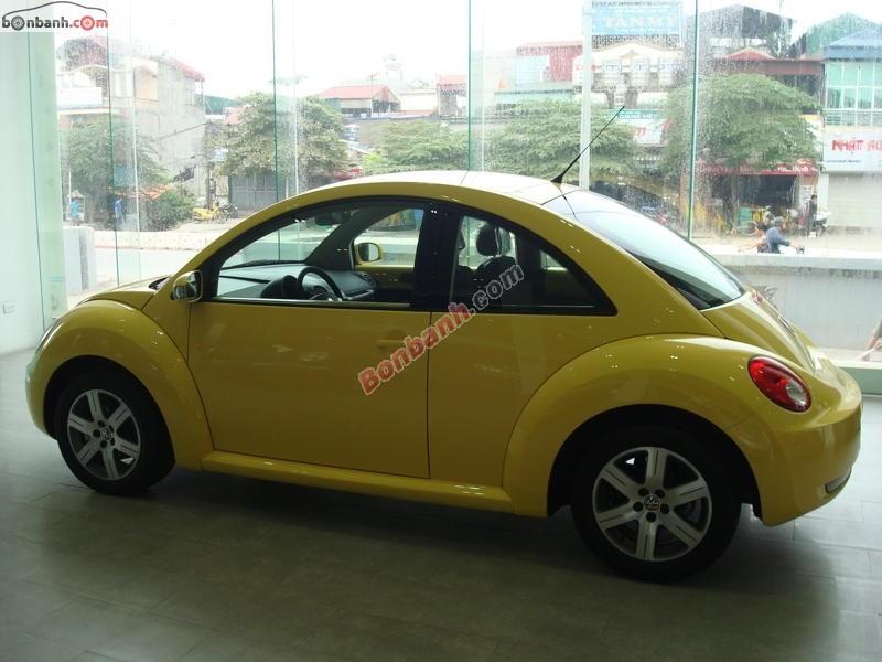 Bán xe Volkswagen New Beetle đời 2015, màu vàng, nhập khẩu