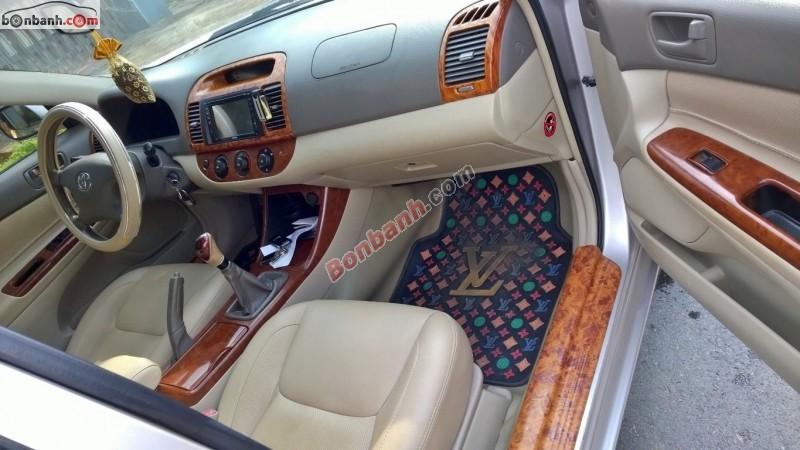 Cần bán gấp Toyota Camry đời 2003, màu hồng, xe gia đình