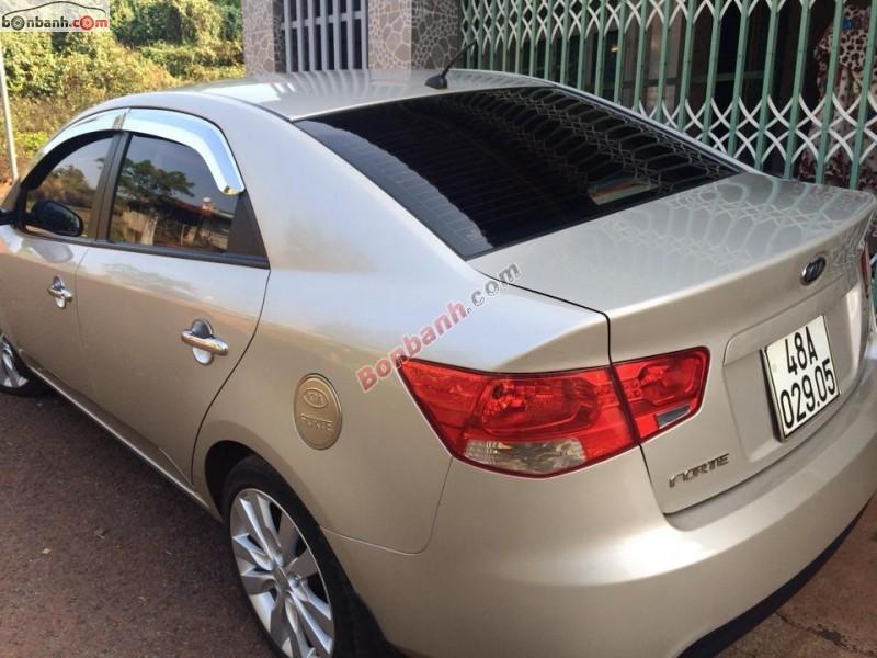 Cần bán gấp Kia Forte EX 2011, màu bạc, đã đi 79.000km