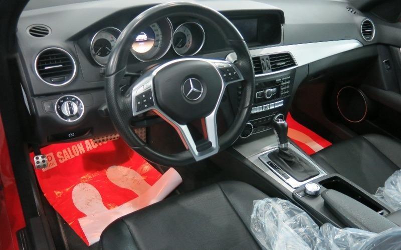 Xe Mercedes-Benz C300   2011