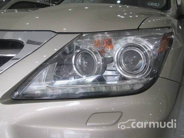 Cần bán xe Lexus LX 570 2013, nhập khẩu, đã đi 1000 km