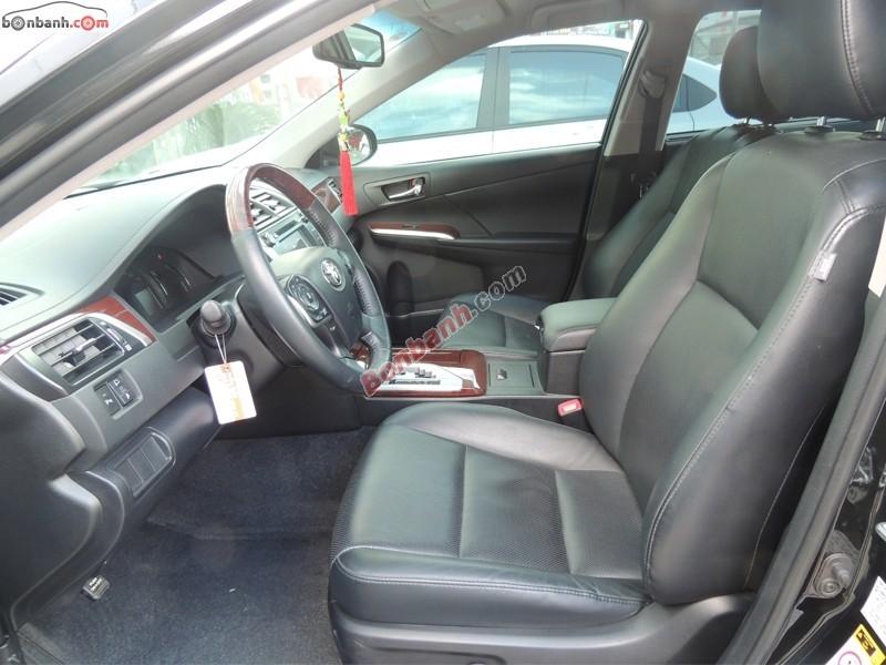 Cần bán lại xe Toyota Camry đời 2013, màu đen, giá 1 tỷ 240tr