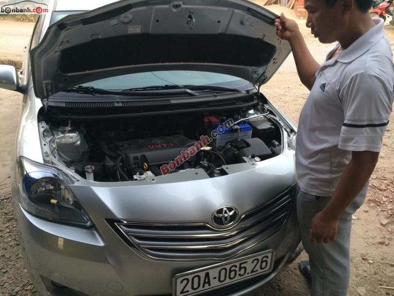Bán xe Toyota Vios năm 2013, màu bạc, chính chủ