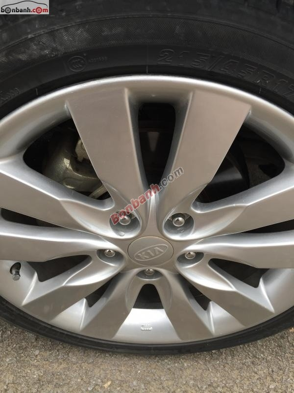 Cần bán gấp Kia Forte SX đời 2011, màu trắng, xe sử dụng cẩn thận, giữ gìn
