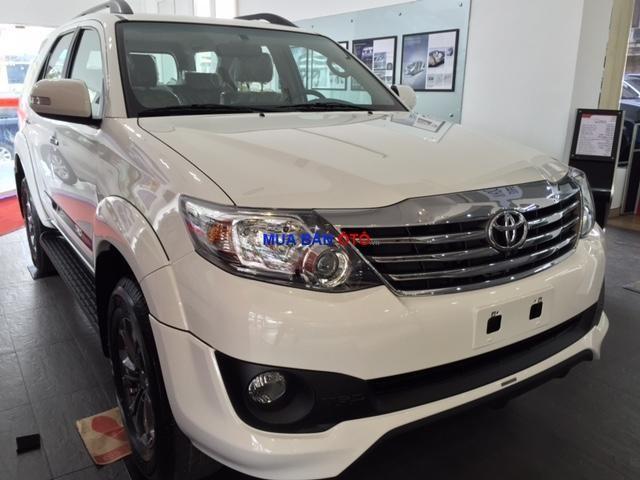 Cần bán xe Toyota Fortuner 2.7V (TRD) sản xuất 2015, màu trắng, giá 999tr