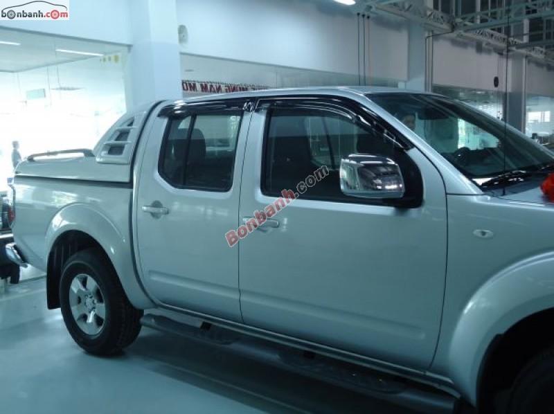 Bán Nissan Navara 2.5L MT năm 2014, màu bạc, nhập khẩu chính hãng, 586 triệu