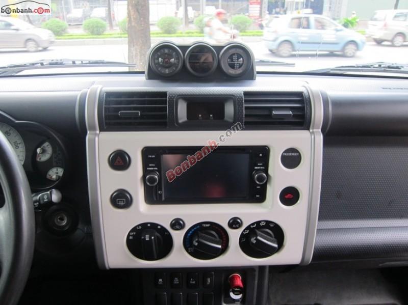 Ô tô Trúc Anh bán Toyota Fj cruiser năm 2010, màu trắng, nhập khẩu nguyên chiếc, chính chủ