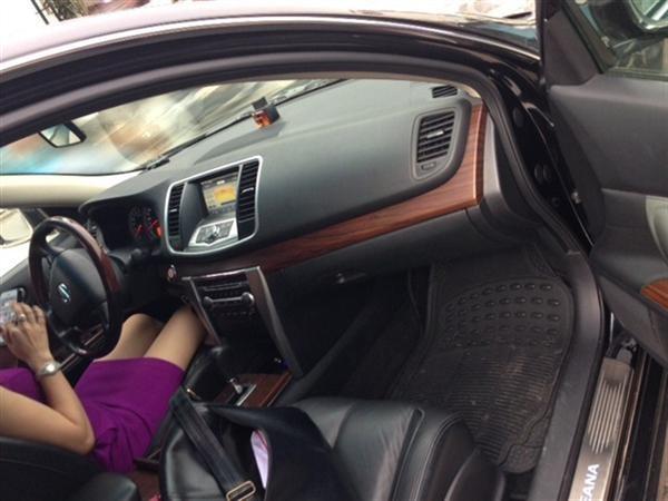 Cần bán gấp Nissan Teana năm 2012, màu đen, xe nhập, số tự động, giá 825tr