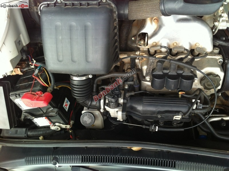 Bán xe Chevrolet Spark đời 2011, màu bạc, mới chạy 29000km