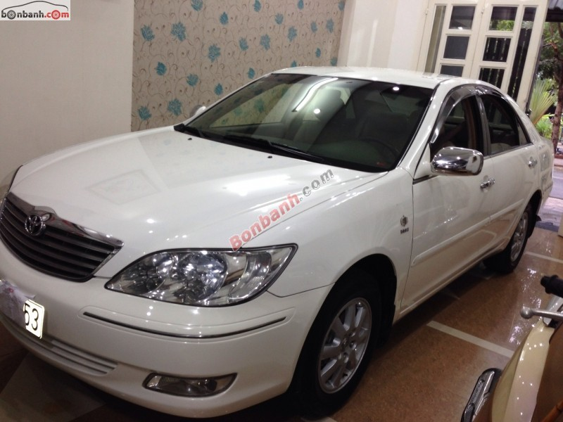 Cần bán lại xe Toyota Camry sản xuất 2003, màu trắng, giá 485tr