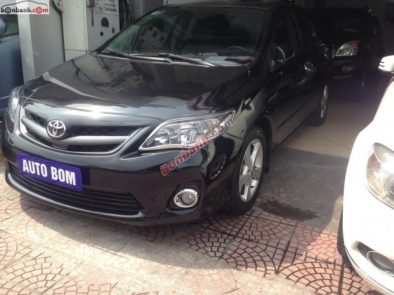Cần bán lại xe Toyota Corolla altis đời 2011, màu đen, số tự động, giá 770tr