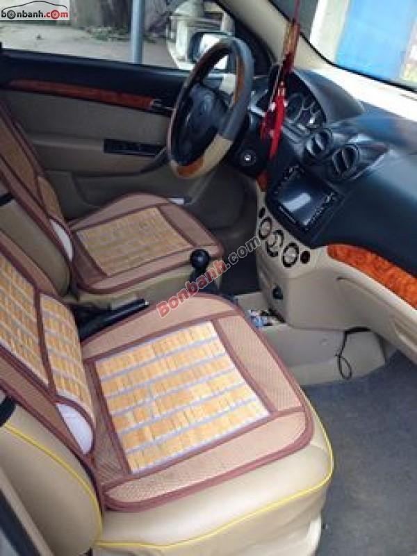 Cần bán xe Daewoo Gentra đời 2007, màu bạc, giá bán 230 triệu