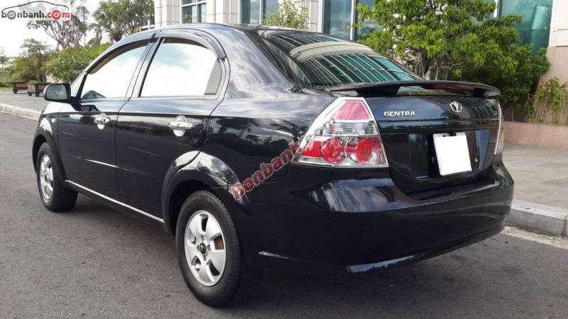 Cần bán Daewoo Gentra 2011, màu đen, xe nhập