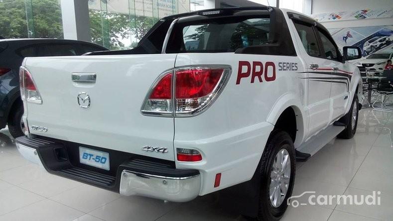Xe Mazda BT 50 AT 2WD 2015