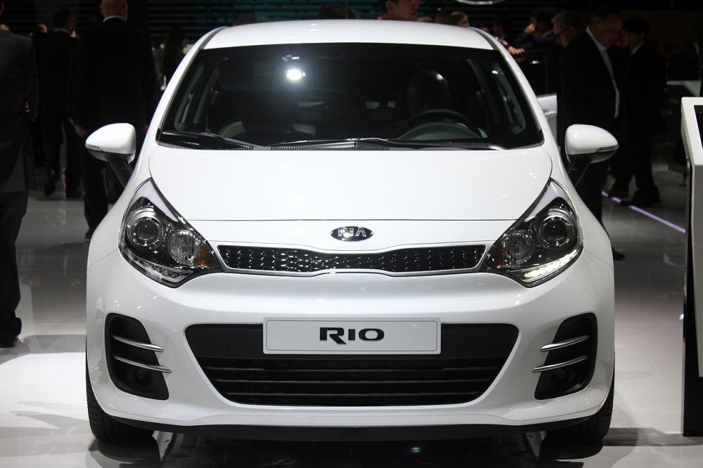 Bán Kia Rio HB màu trắng, xe nhập giá cực tốt