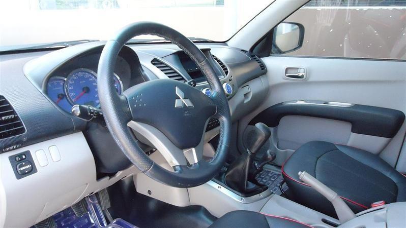 Xe Mitsubishi Triton  2009