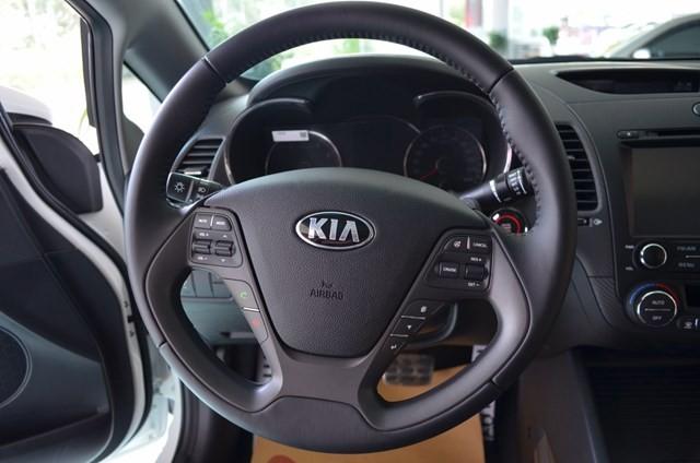 Xe Kia K3  2014