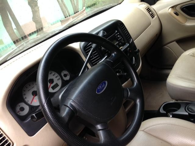 Xe Ford Escape  2008
