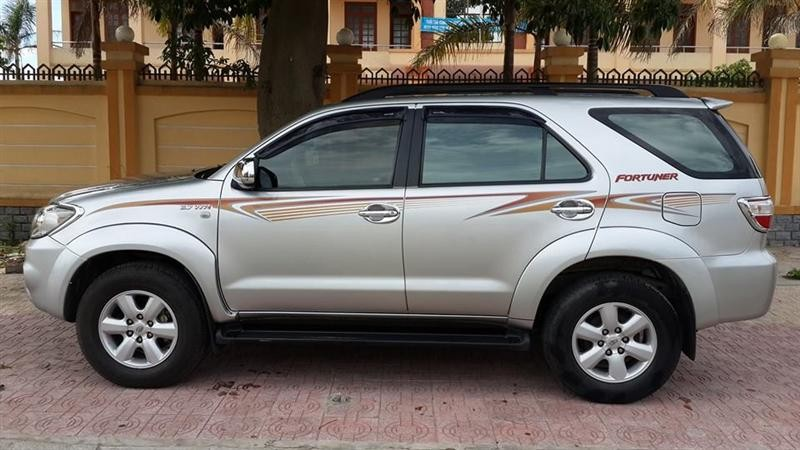 Xe Toyota Fortuner  2009