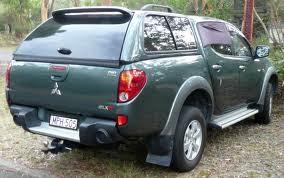 Xe Mitsubishi Triton   2015