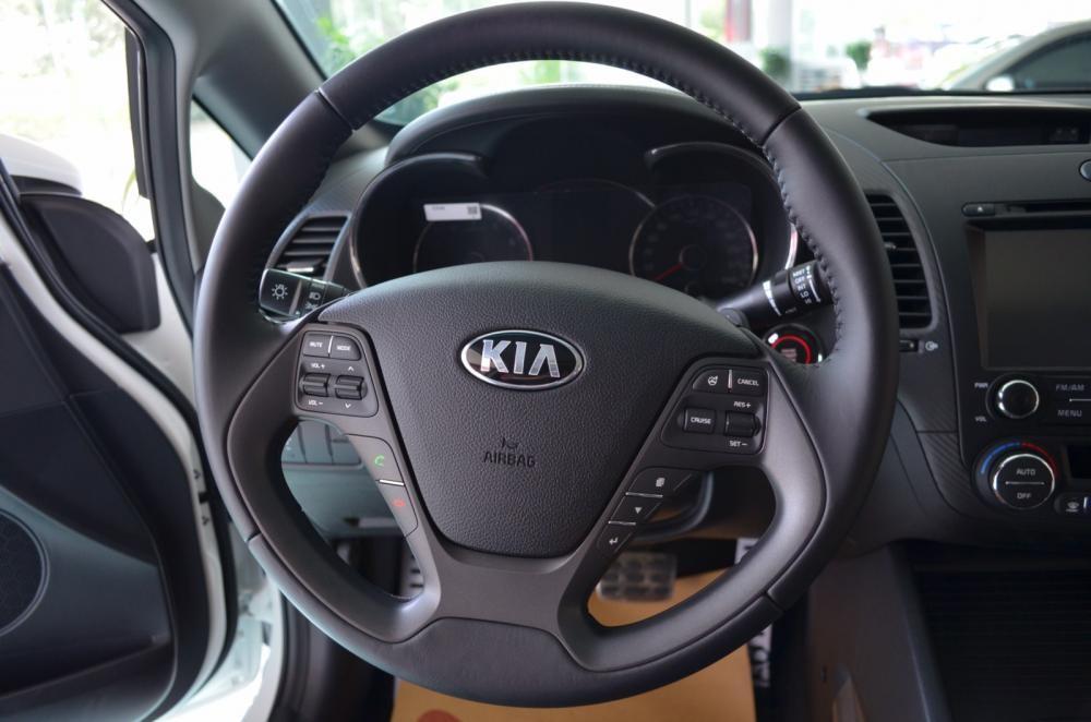 Xe Kia K3  2015