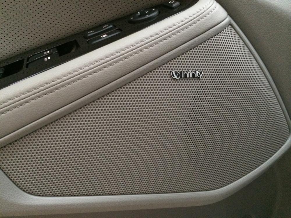 Cần bán xe Kia K5 sản xuất 2015, màu trắng, xe nhập, giá 913tr