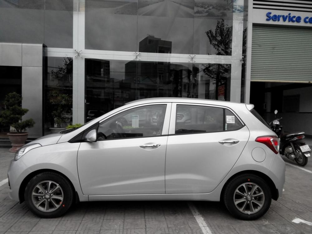 Xe Hyundai Premio 1.0  2015