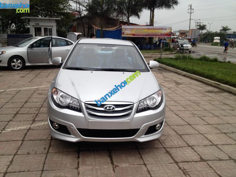 Xe Hyundai Avante 1.6 MT 2015