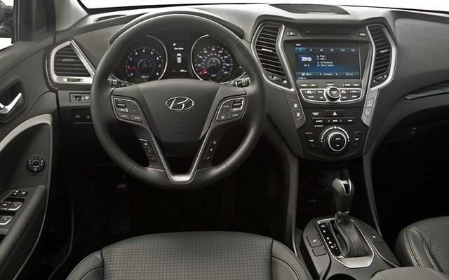 Giá xe Hyundai Santa Fe đời 2017 Đà Nẵng - 0935.536.365 Mr. Phương, hỗ trợ cho vay lãi suất thấp