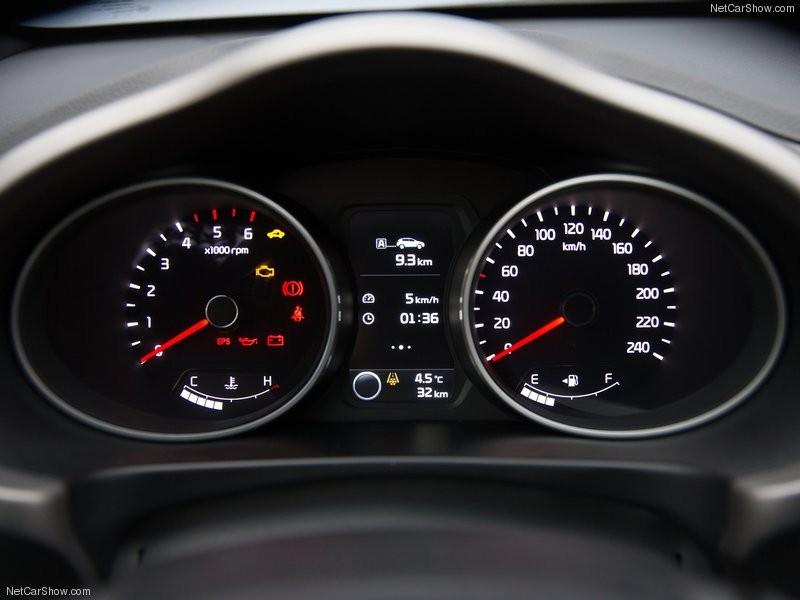 Kia Sportage 2.0 AT đời 2016, màu trắng, xe nhập nguyên chiếc