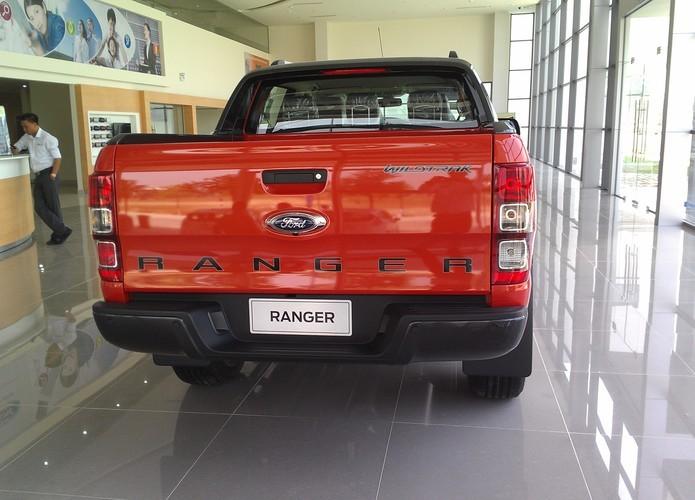 Bán Ford Ranger  3.2 năm 2015, màu đỏ, nhập khẩu nguyên chiếc, giá 838Tr