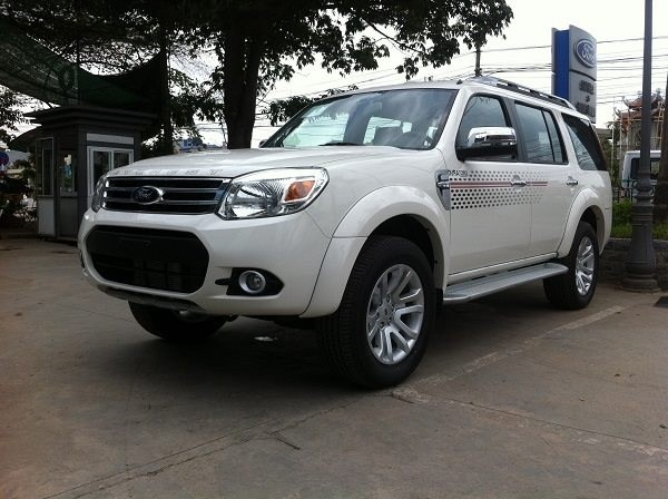 Xe Ford Everest  2015