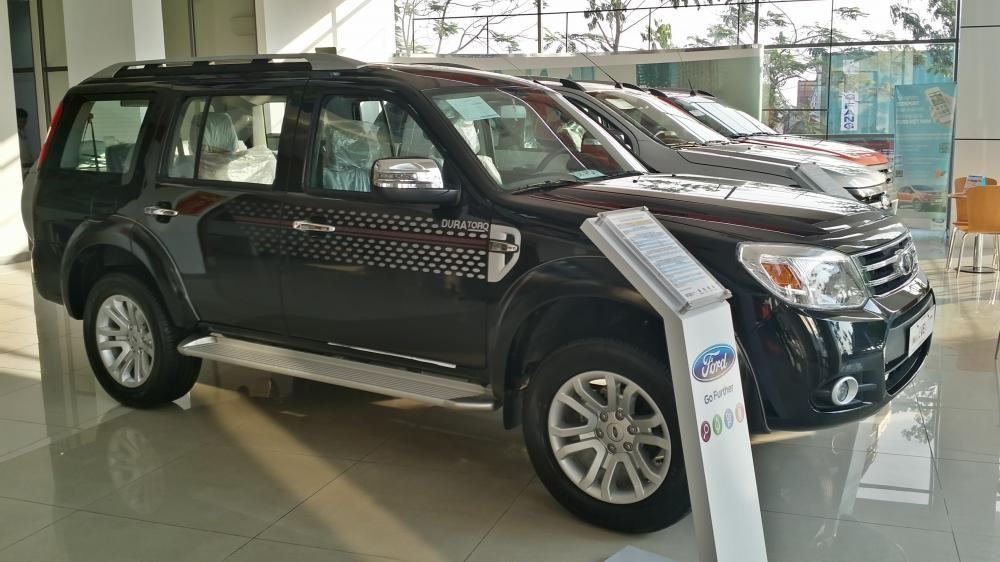 Xe Ford Everest AT Limited 2014