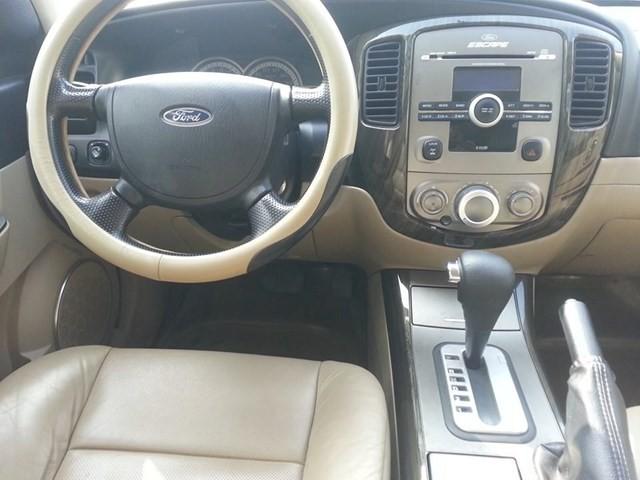 Cần bán Ford Escape đời 2008, 425 triệu