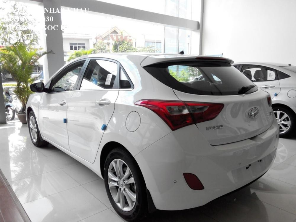 Xe Hyundai i30  2015