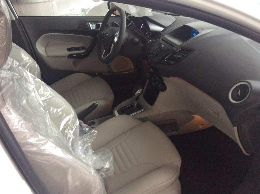 Xe Ford Fiesta   2015