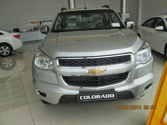 Xe Chevrolet Colorado 2.5L 4x4 2015