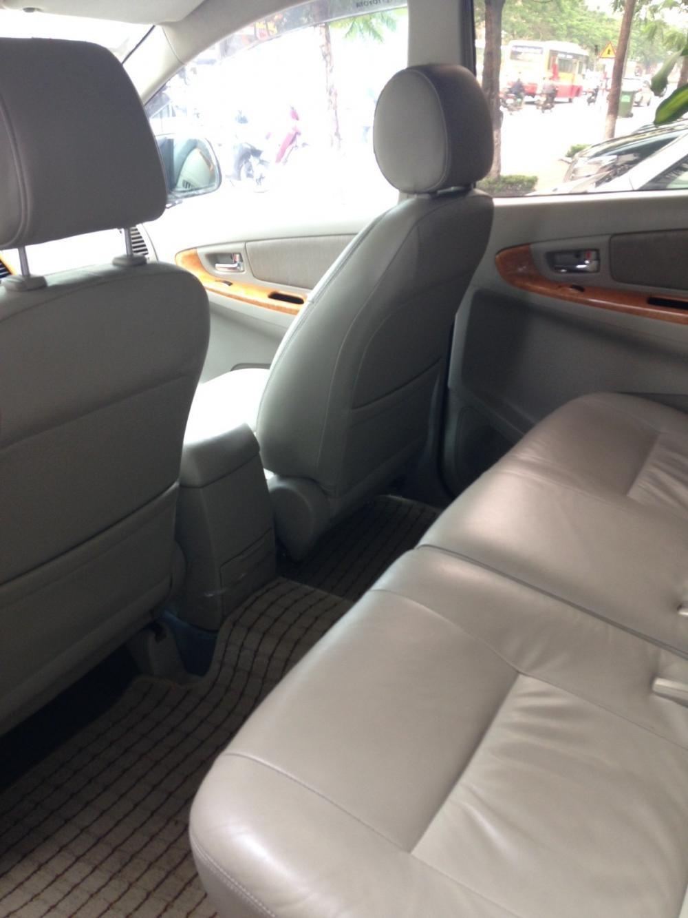 Xe Toyota Innova 2.0G SR  2010