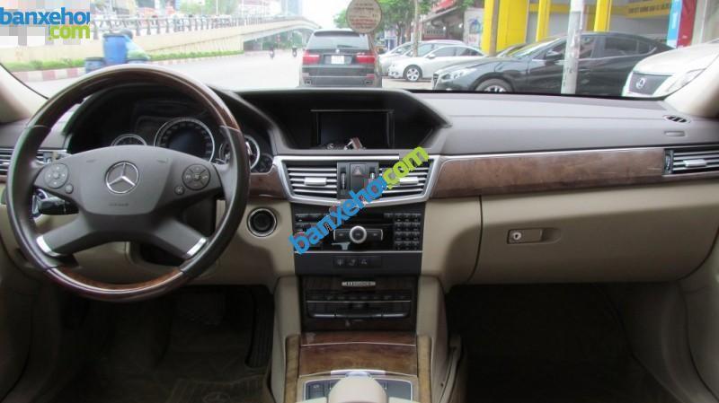 Xe Mercedes-Benz E class 300 2011