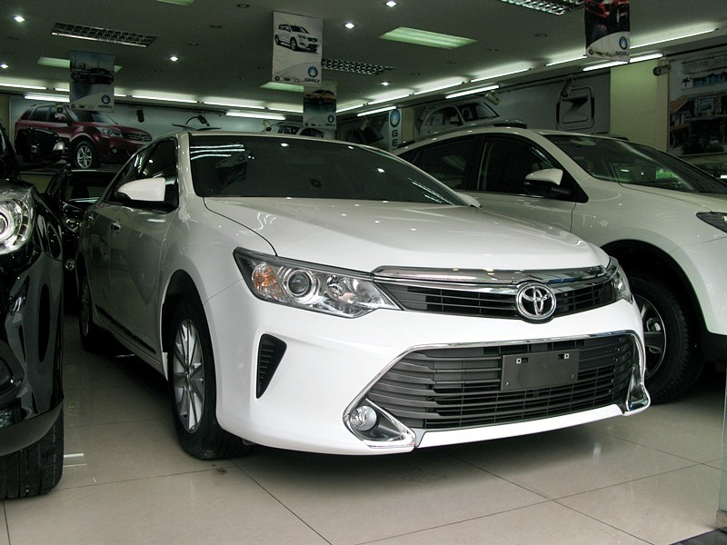 Xe Toyota Camry 2.0 2015