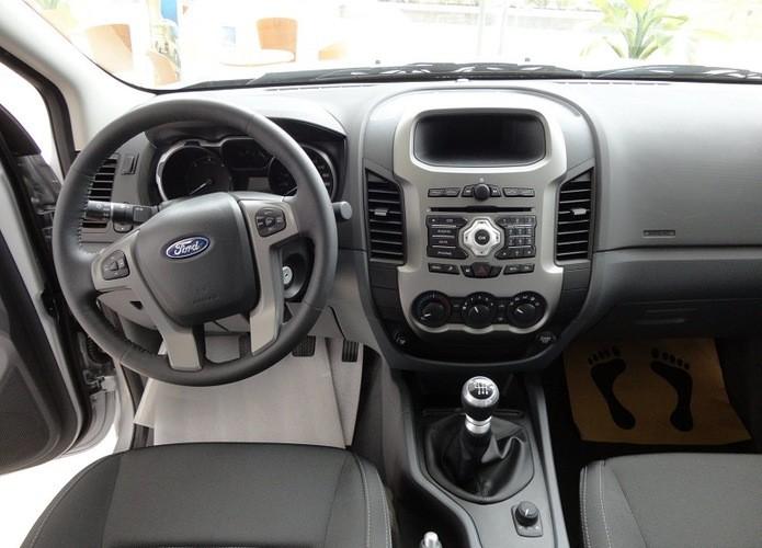 Bán xe Ford Ranger XLS sản xuất 2016, màu đen, nhập khẩu