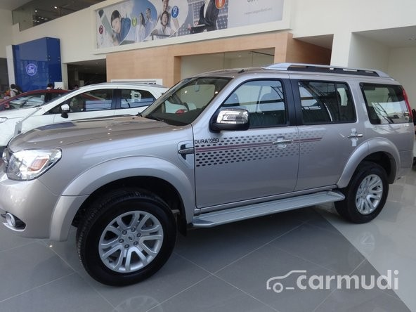 Xe Ford Everest Limited 2.5L 4x2 AT 2015