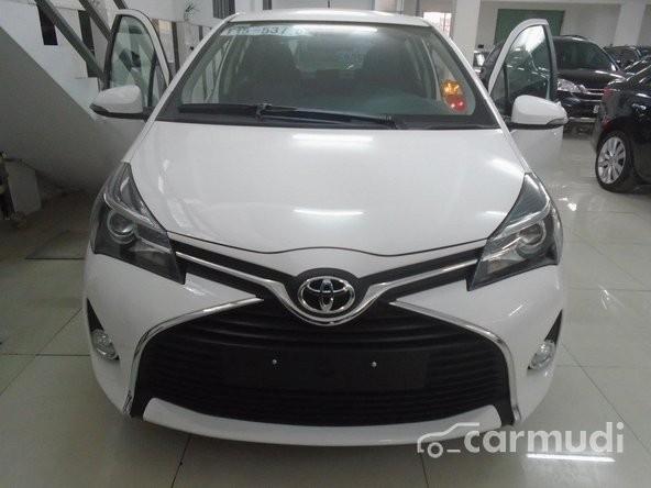 Xe Toyota Yaris  2015