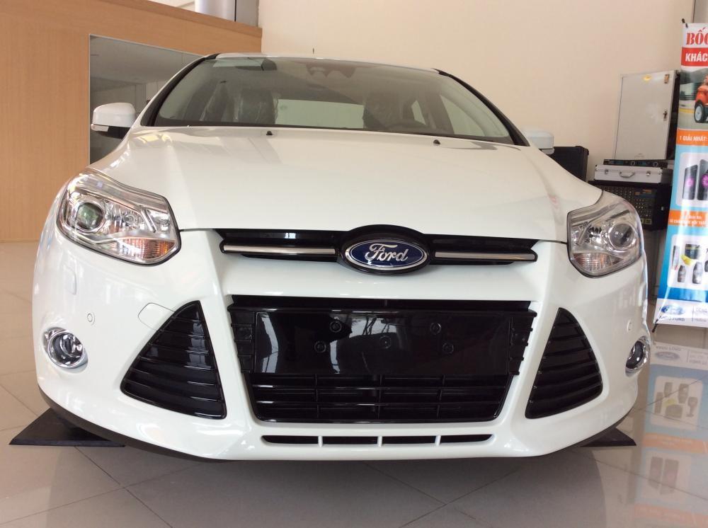 Cần bán Ford Focus 2.0 màu trắng, giá rẻ nhất tại Đại lý Ford An Đô