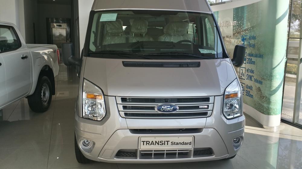Xe Ford Transit Medium 2015
