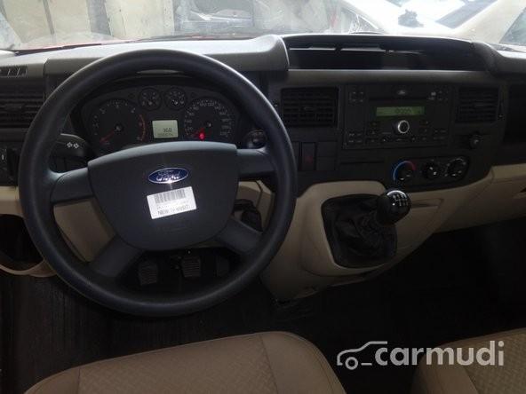 Xe Ford Transit Van 2015