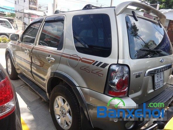 Xe Ford Escape  2004
