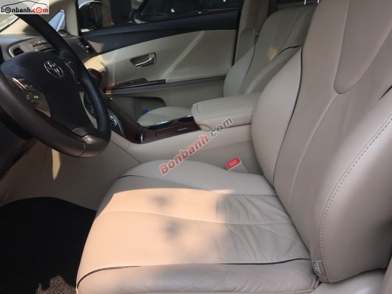 Bán Toyota Venza 2.7 năm 2010, màu trắng, nhập khẩu nguyên chiếc