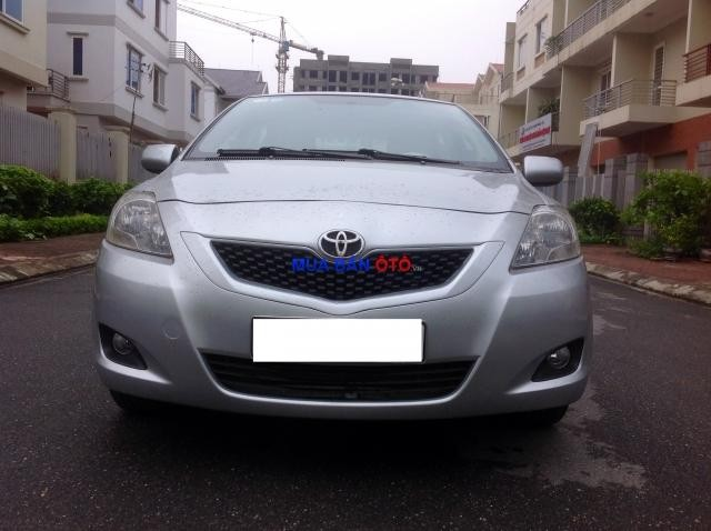 Bán ô tô Toyota Yaris sản xuất 2010, màu bạc, nhập khẩu nguyên chiếc
